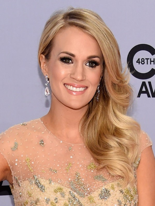 carrie-underwood-cma-awards-2014
